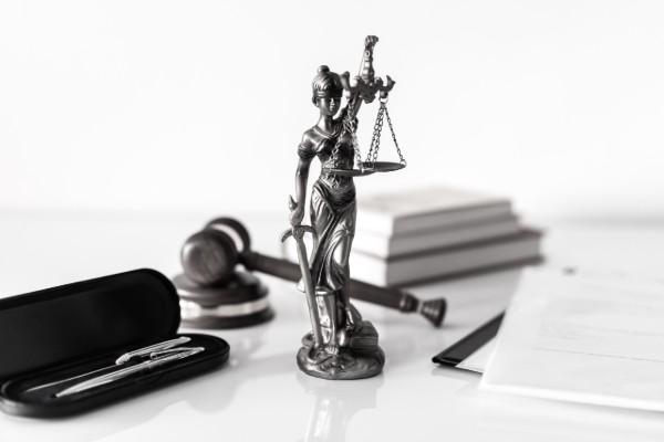 contact recht op schadevergoeding
